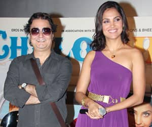 When Vinay Pathak made cracks at Priyanka and Katrina
