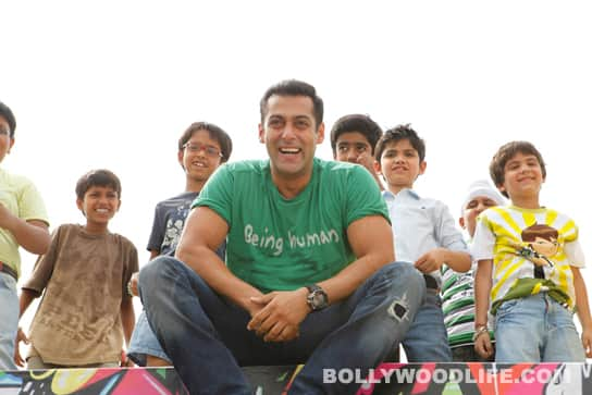 Salman Khan with the kids from Chillar Party