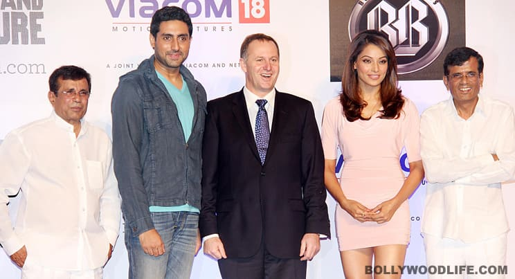 New Zealand PM John Key flanked by Abhishek and Bipasha with Abbas and Mastan