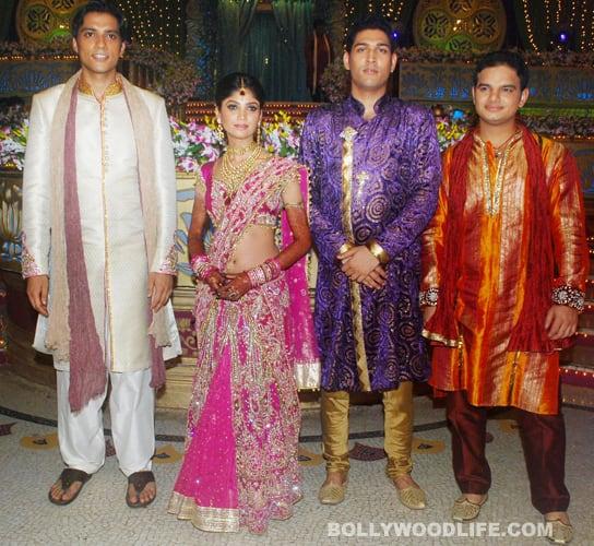 Ratan Ka Rishta: Grooms go shopping