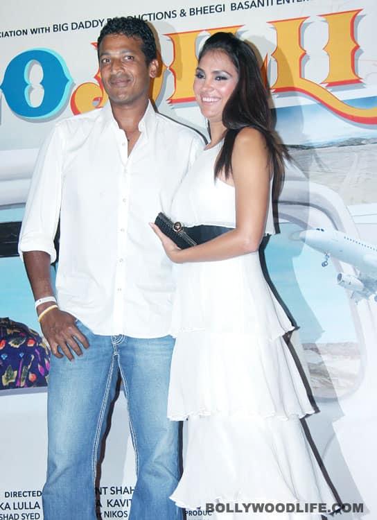Lara supports VinayPathak