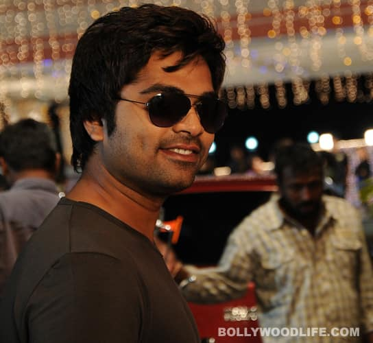 Simbu emulates Ajith in 'Vettai Mannan'