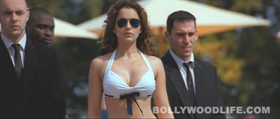 Kangana Ranaut sizzles in a bikini in 'Rascals'