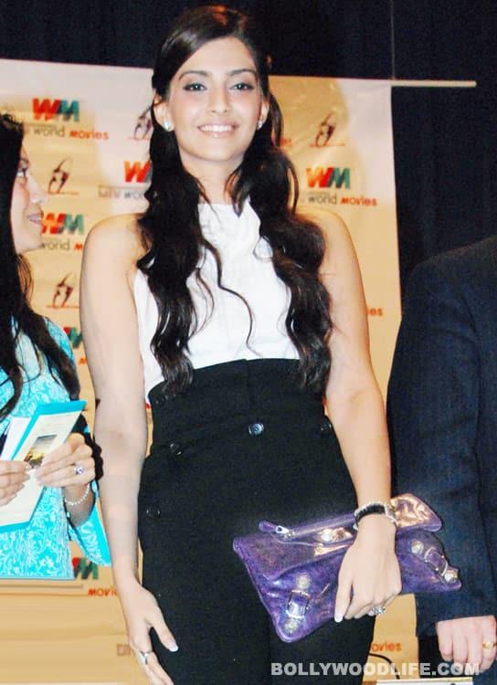Look who's revealing Sonam Kapoor'ssecrets!