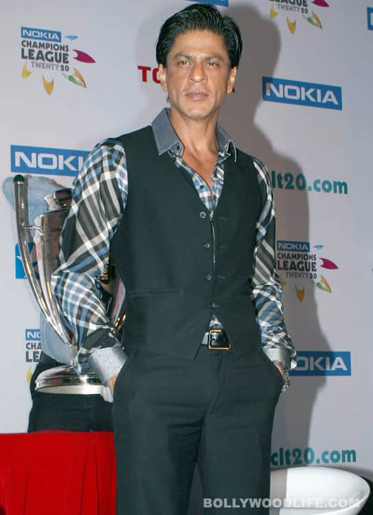 Shahrukh Khan under pressure to change the release date of 'RA.One'