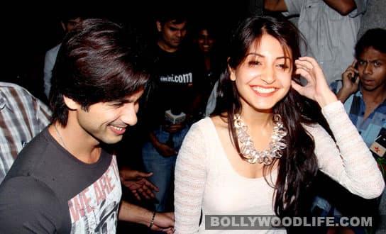 Link-up with Anushka Sharma upsets Shahid Kapoor