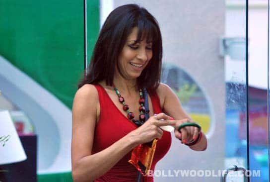 BIGG BOSS 5: Pooja Misrra lashes out at Sky, Siddharth