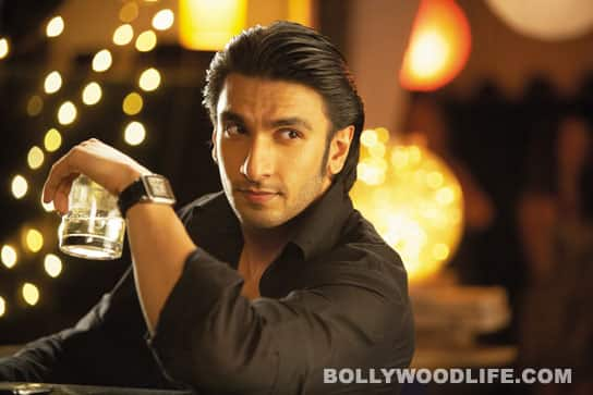 Ranveer Singh and Anushka Sharma are a sexy couple in 'Ladies vs Ricky Bahl'