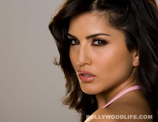 Mahesh Bhatt wants Sunny Leone to play lead in 'Jism 2'! What is he thinking?