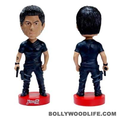 Shahrukh is bobbleheaded!