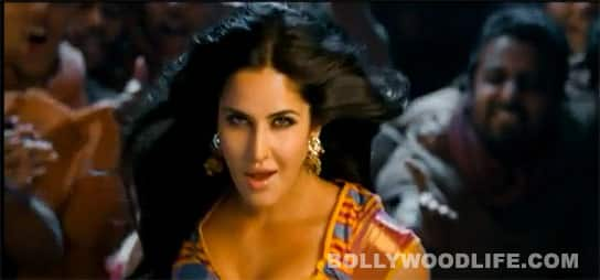 Katrina Kaif as 'Chikni chameli' in 'Agneepath' item song teaser