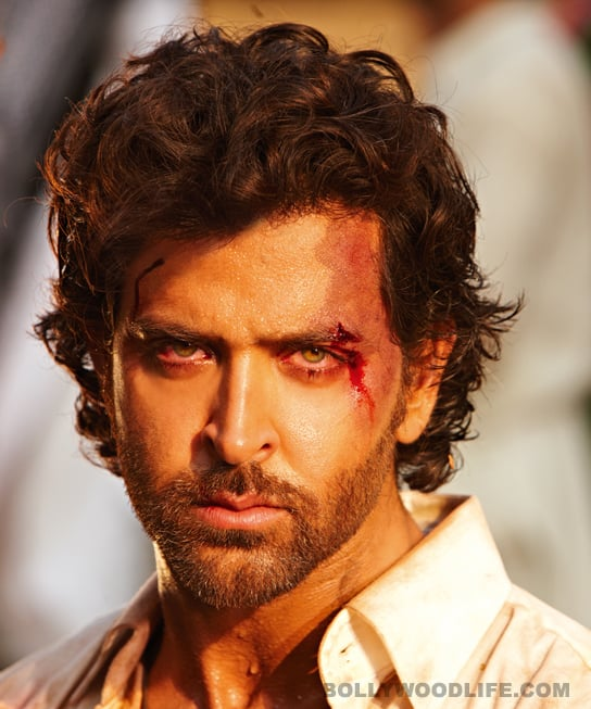 AGNEEPATH Movie Review: See it for Hrithik Roshan's heartfelt performance