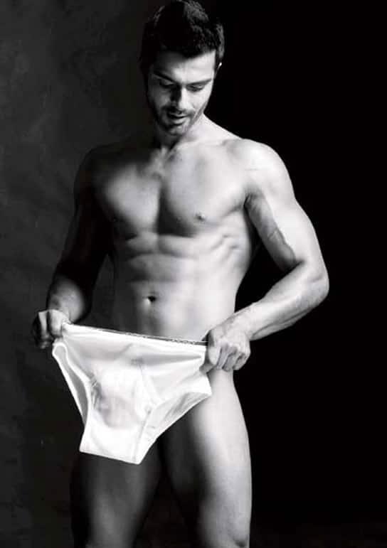 Ashmit Patel goes nude!