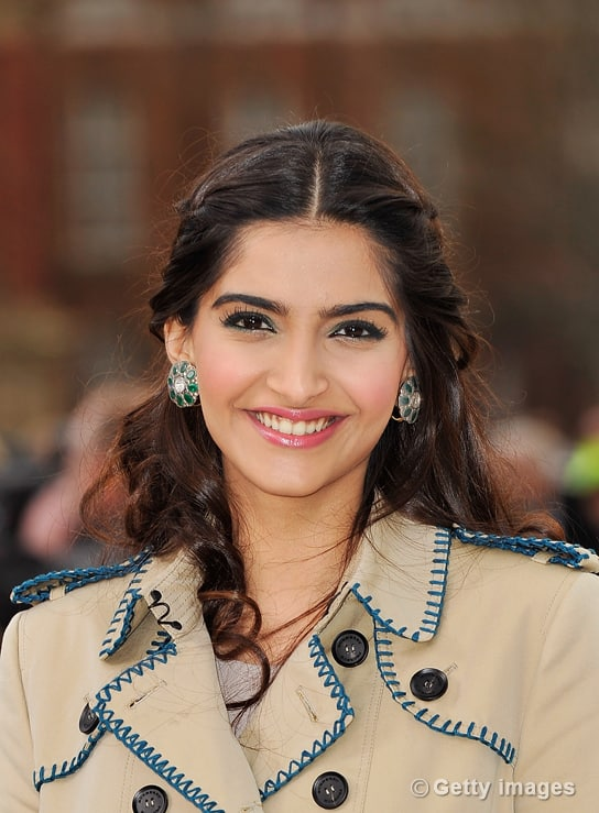 Sonam Kapoor dazzles at the London Fashion Week