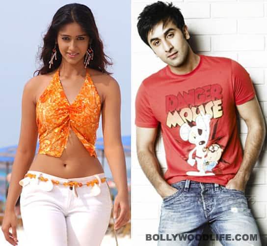 Ranbir Kapoor and Ileana D'Cruz get close on the sets of'Barfee'