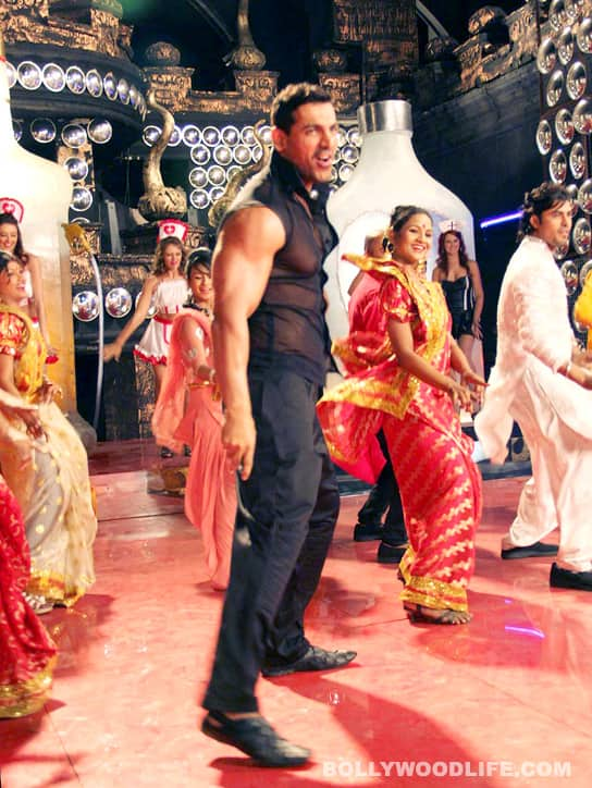 VICKY DONOR item song: Watch John Abraham rehearse dance moves