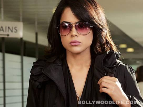 Sameera Reddy desperate to be item girl?