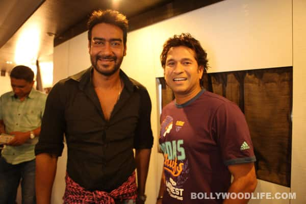 Ajay Devgn bumps into Sachin Tendulkar at Mehboob Studio!