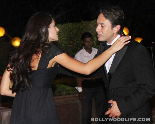 Is Nargis Fakhri cosying up to Ness Wadia?
