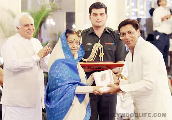 President Pratibha Patil honours filmmaker Madhur Bhandarkar