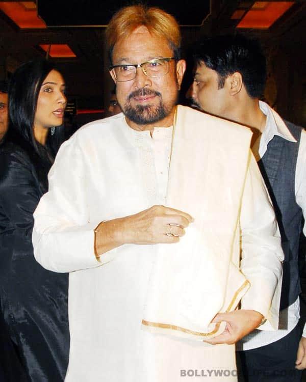 Rajesh Khanna fine, says AkshayKumar