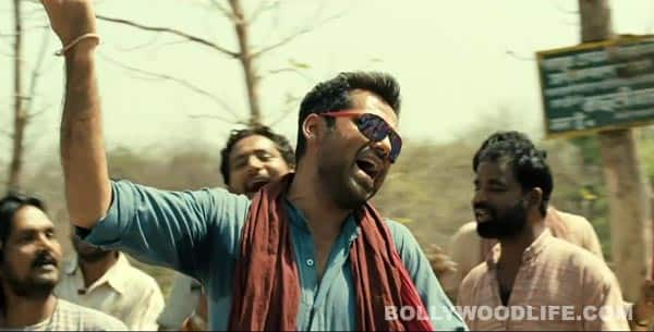 CHAKRAVYUH song: Abhay Deol turns desi in Mehangai