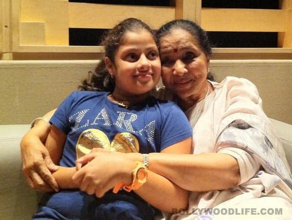 Asha Bhosle dances to grandniece Zanai's tunes!