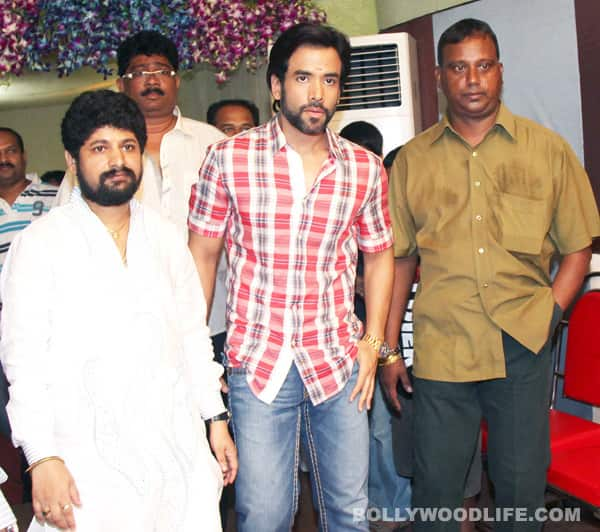 Tusshar Kapoor can finally copy dad Jeetendra in Shootout at Wadala