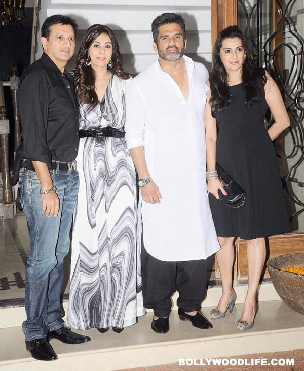 Suniel-Shetty-and-Mana-261112