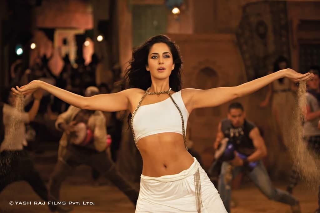 BollywoodLife Awards 2012: Kareena Kapoor, Priyanka Chopra or Katrina Kaif – who is the female rockstar of theyear?