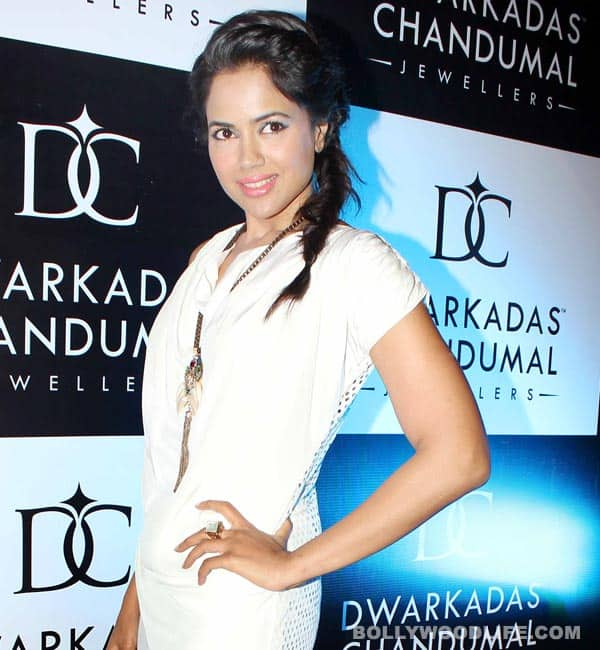 Sameera Reddy, happy birthday!