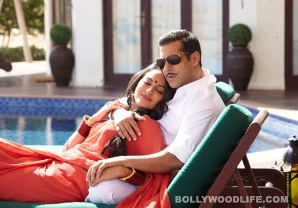 DABANGG 2 new stills: Salman Khan gets intimate with Sonakshi Sinha