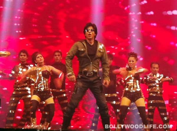 Shahrukh Khan grooves with Preity Zinta, Rani Mukerji and Bipasha Basu in Jakarta!