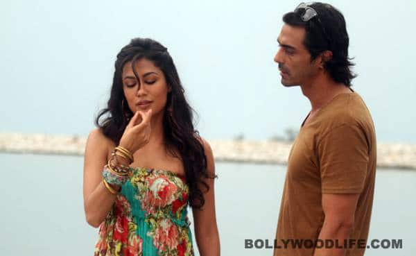 Why doesn't Chitrangda Singh want to sleep with Arjun Rampal?