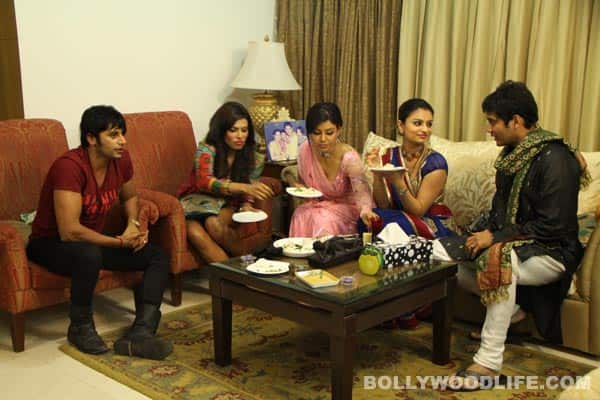 Celebs-at-Amar's-place