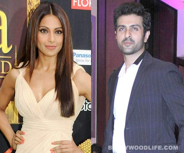 Bipasha Basu and Harman Baweja: The 'inseparable' couple cozy it up in Goa!