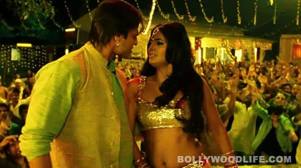 Zila Ghaziabad song: Ours father's no understand property!