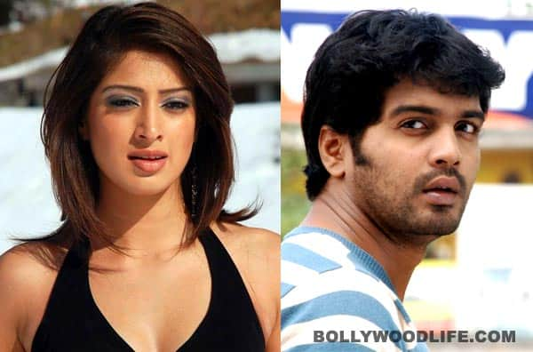 Lakshmi Rai and Vinay share a room during Onbadhula Guru shoot?