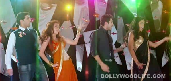 Nautanki Saala song Dhak dhak making: Ayushmann Khurrana, Kunaal Roy Kapur, Pooja Salvi and Evelyn Sharma go crazy dancing on the sets!