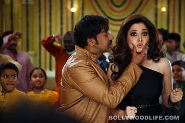 Himmatwala song Bum pe laat: Ajay Devgn kicks Tamannaah's butt!