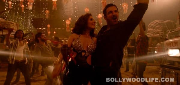 Shootout At Wadala song Ala re ala: Sophie Choudry and John Abraham sizzle in this explosive item number!
