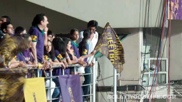 IPL 2013 opening match pics: Shahrukh Khan and Deepika Padukone do a victory lap after KKR win