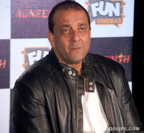 Sanjay Dutt feels suffocated in jail