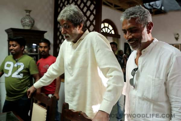 Amitabh Bachchan plays prank on Prakash Jha: Watch Satyagraha video