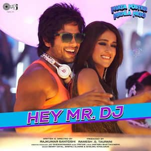 Phata Poster Nikhla Hero song Lets go bananas: Shahid Kapoor's latest foot-tapping party number!