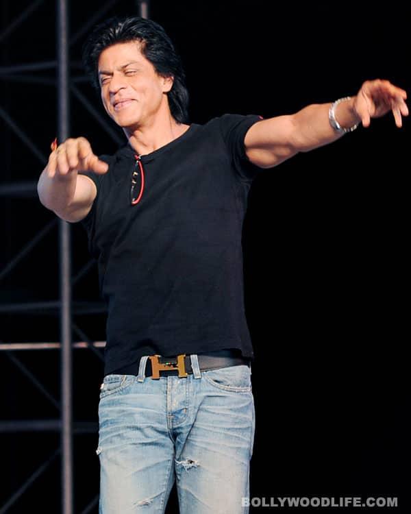 Who does Shahrukh Khan want a hug from – Priyanka Chopra or Deepika Padukone?