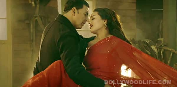 Boss Har kisi ko song: Does Sonakshi Sinha manage to replay Sridevi?
