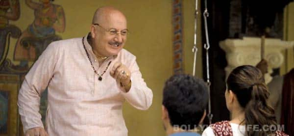 Gori Tere Pyaar Mein dialogue promo: Anupam Kher as Gujarati 'pappa' makes a hilarious appearance!