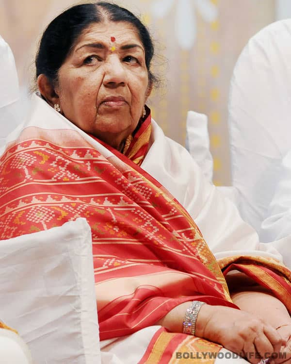 Lata Mangeshkar amidst controversy for recommending sister Usha's name for Padma awards!