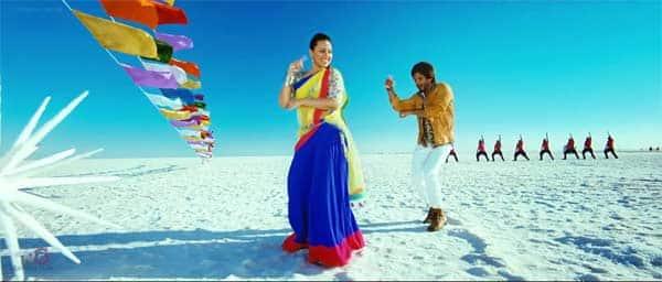 Sonakshi Sinha and Shahid Kapoor have a blast while shooting for Saree ke fall sa song: Watchvideo!